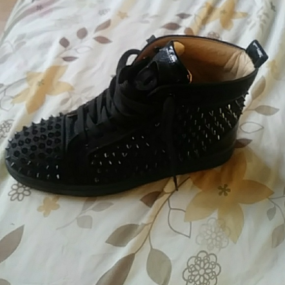 sale retailer f7d7a acfe3 Christian louboutins spikes pat and leather.